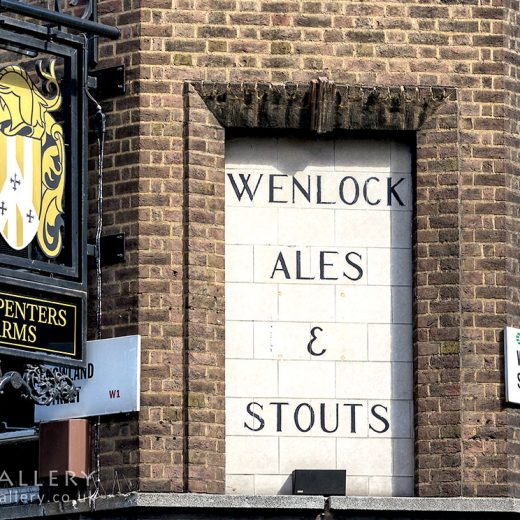 Carpenters, Fitzrovia: Close-up of Wenlock Ales & Stouts sign