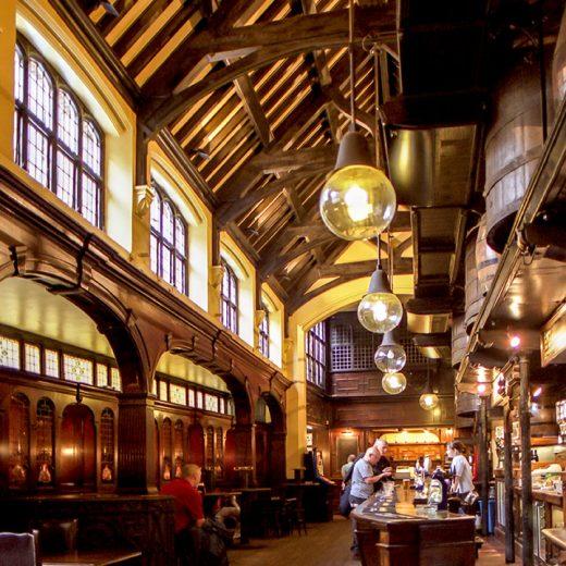 Cittie of Yorke, Holborn: Pub interior