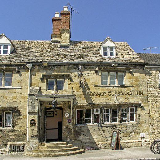 Corner Cupboard, Winchcombe: Pub exterior