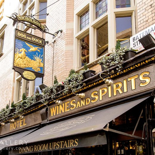 Dog & Duck, Soho: Close up with 'wines and spirits' sign
