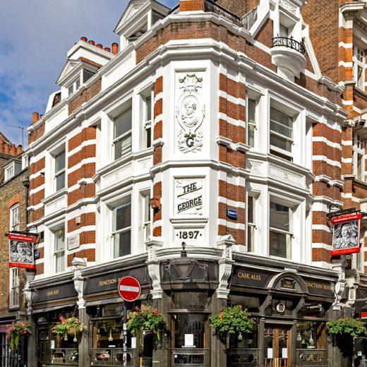George, Soho: Pub exterior