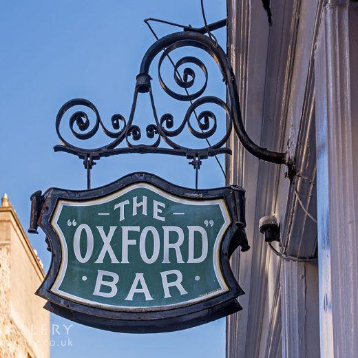 Oxford, Edinburgh: 'Oxford Bar' Inn sign