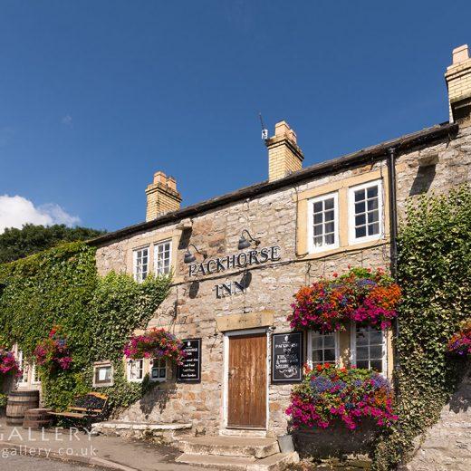 Packhorse, Little Longstone: pub exterior