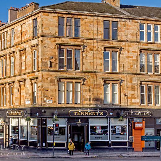 Tennents, Glasgow: Pub exterior