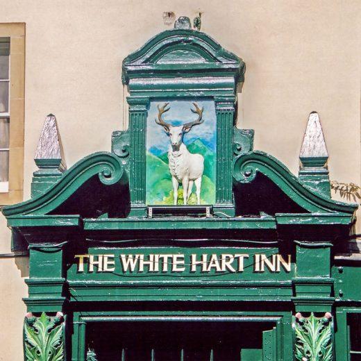 White Hart, Edinburgh: Doorway & inn sign