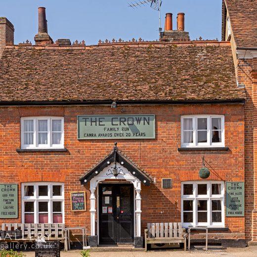 Crown, Buntingford: Pub exterior