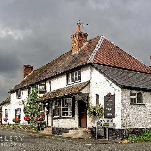 Royal George, Lyonshall: Pub exterior