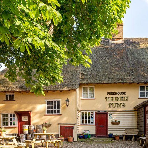 Three Tuns, Great Hormead: Pub exterior