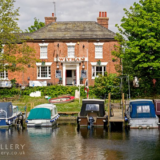 Witham, Boston: Pub with river and boats in foreground