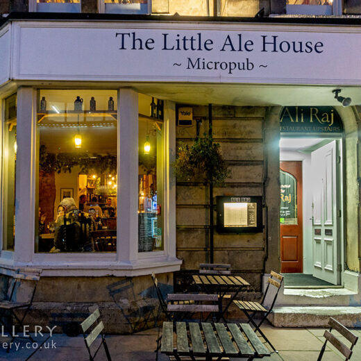 Little Ale House, Harrogate: Pub exterior at night