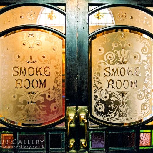 Barton Arms, Birmingham: 'Smoke Room' door windows