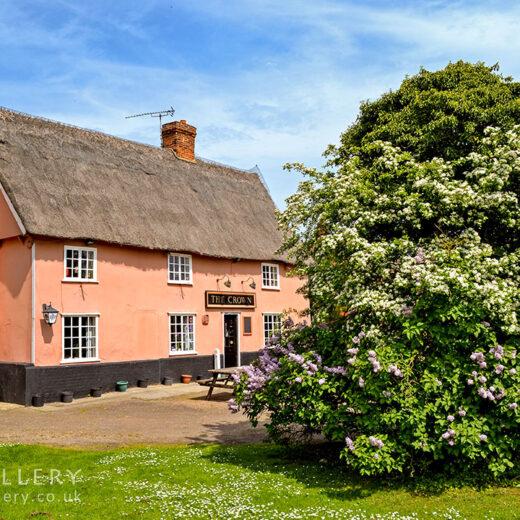 Crown, Bedfield: Pub exterior