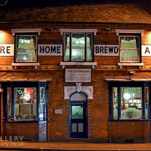 Old Swan, Netherton: Pub exterior