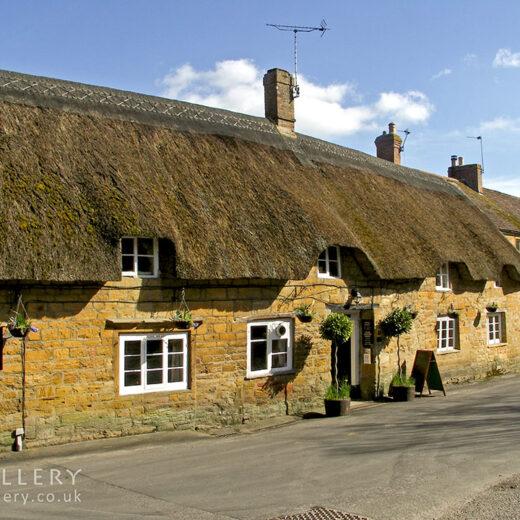 Masons Arms, Odcombe: Full pub exterior