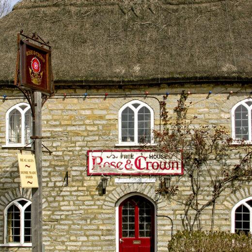 Rose & Crown, Huish Episcopi: Pub exterior